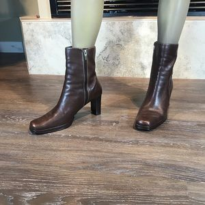 Bass Vintage Square Toe Boots, Size 8